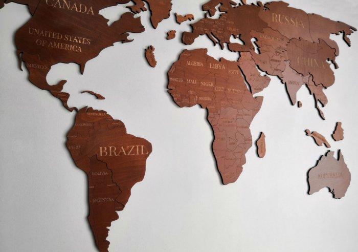 Почему Австралия почти целиком - пустыня, а Южная Америка нет?