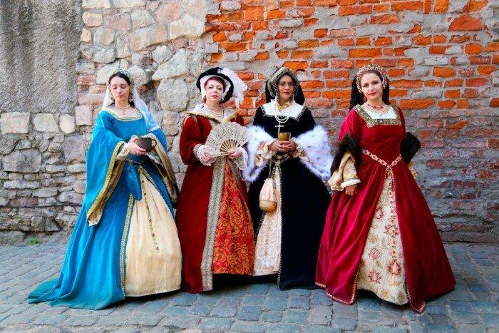 Что будет, если современная девушка попадет в Средневековую Русь?
