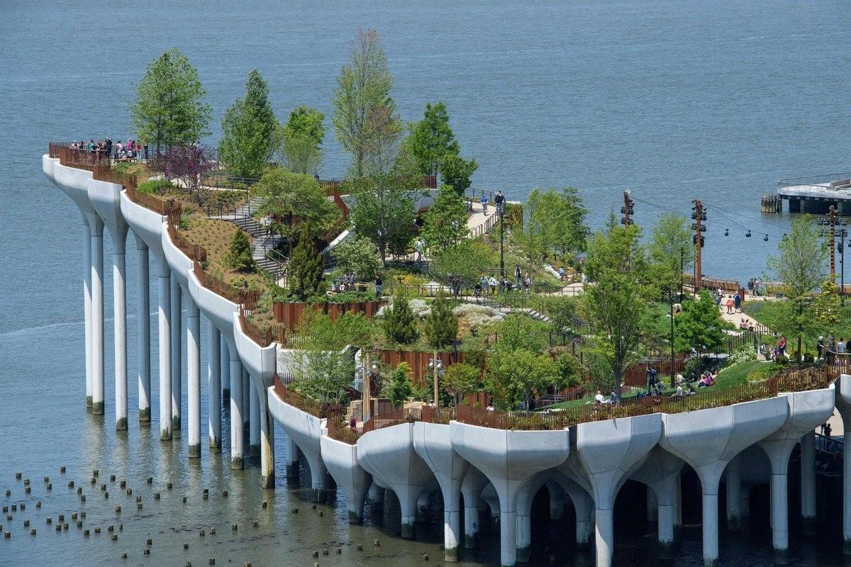 Парк Литл-Айленд над рекой Гудзон в Нью-Йорке