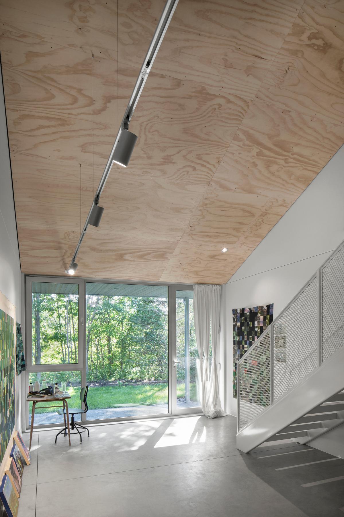 Современная резиденция для художников в Канаде