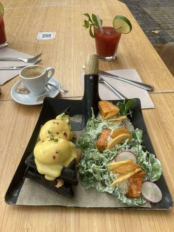 Разные примеры безбашенной подачи блюд в ресторанах