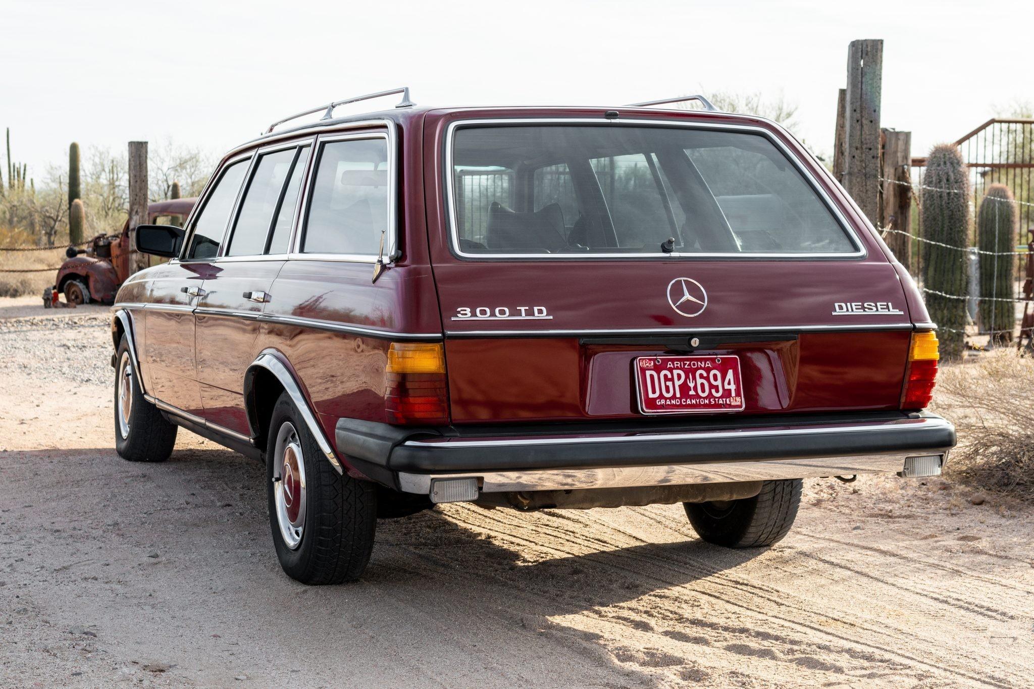 Универсал Mercedes-Benz с огромным пробегом выставили на продажу Авто/Мото