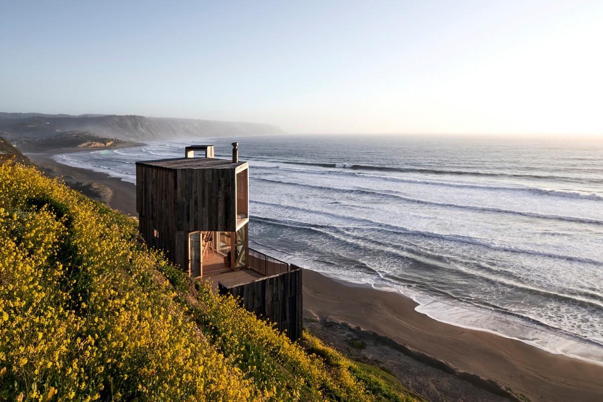 Минималистичные домики для отдыха с видом на океан в Чили