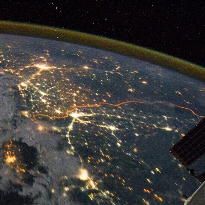 Границы стран, которые видны из космоса