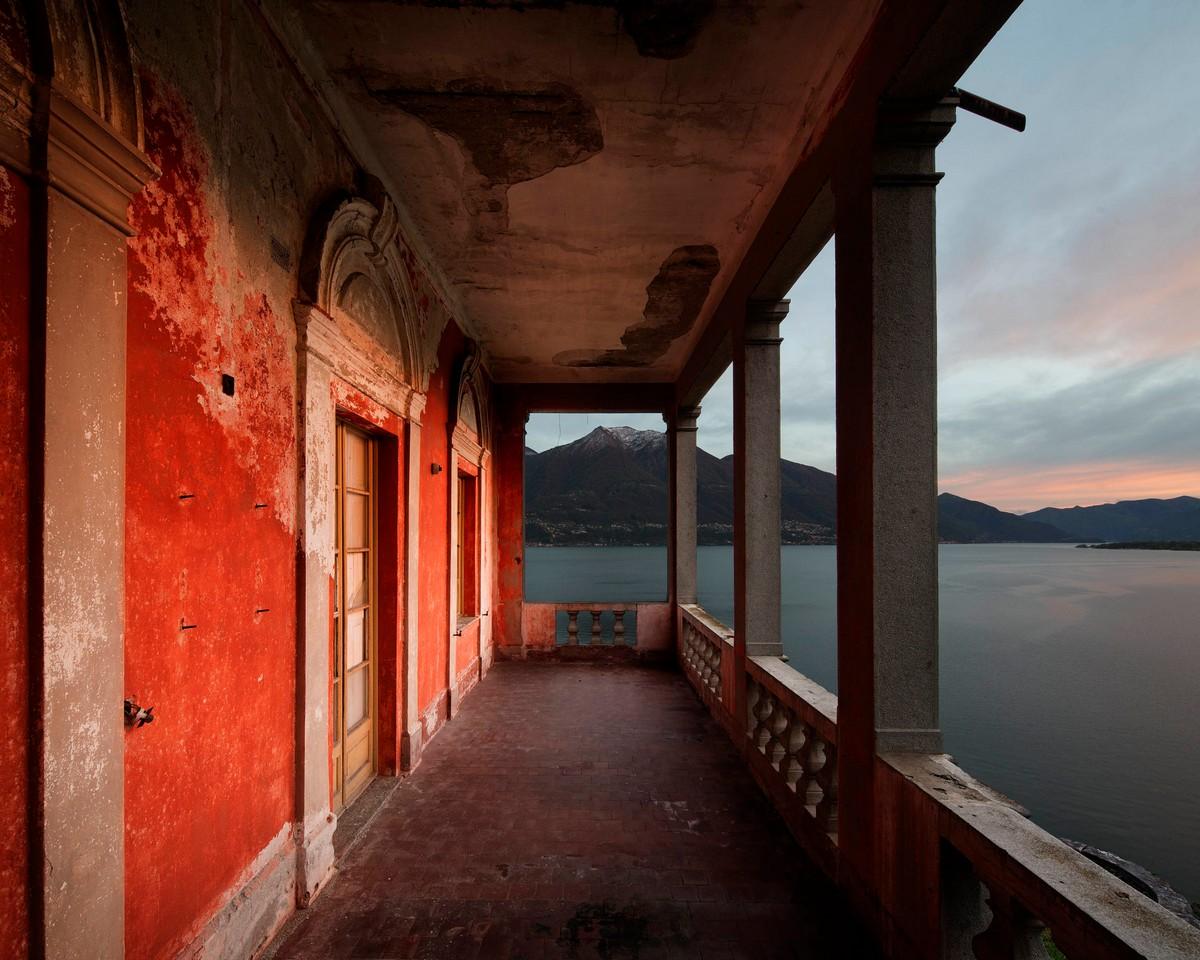 Красота заброшенных мест на снимках Хенка ван Ренсберга