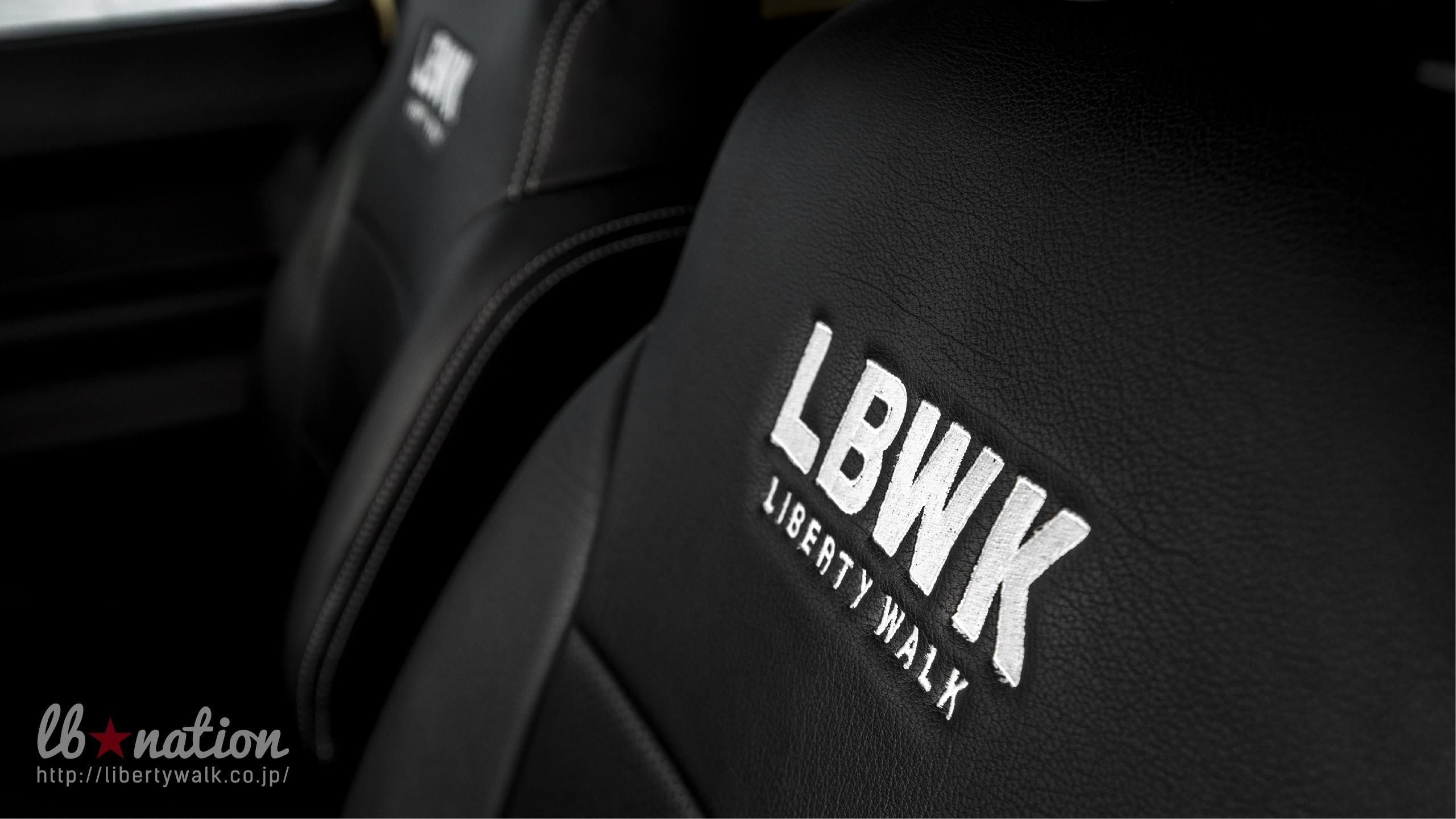 Обвес от Liberty Walk для маленького Suzuki Jimny в стиле G-Class