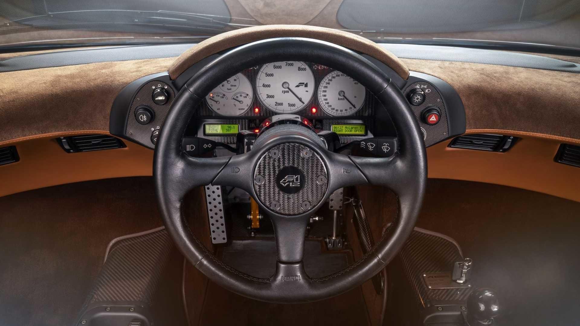 Безупречный McLaren F1 с минимальным пробегом