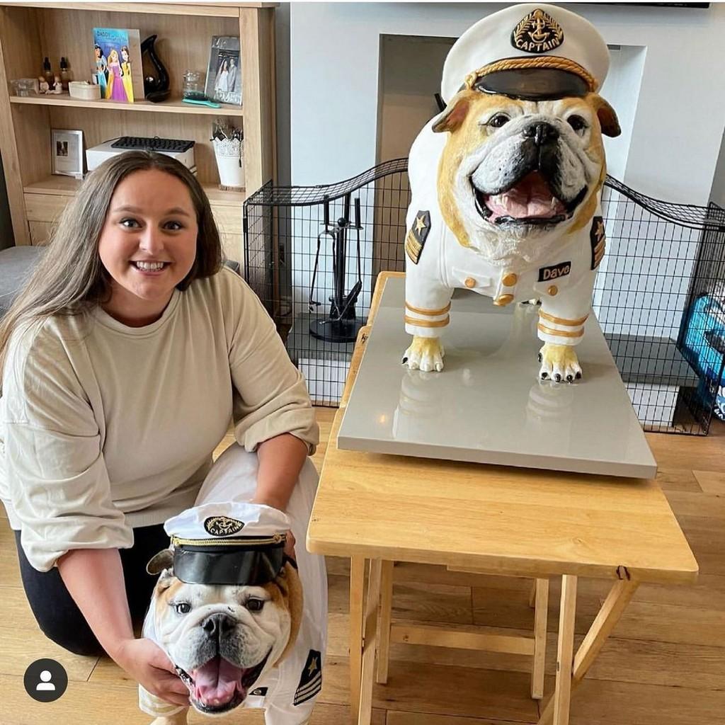 Хозяйка пса заказала торт в натуральную величину своего любимца