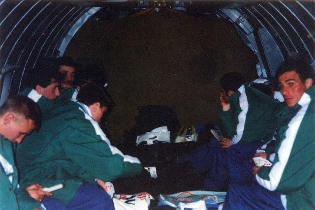 Подборка атмосферных кадров из 90-х