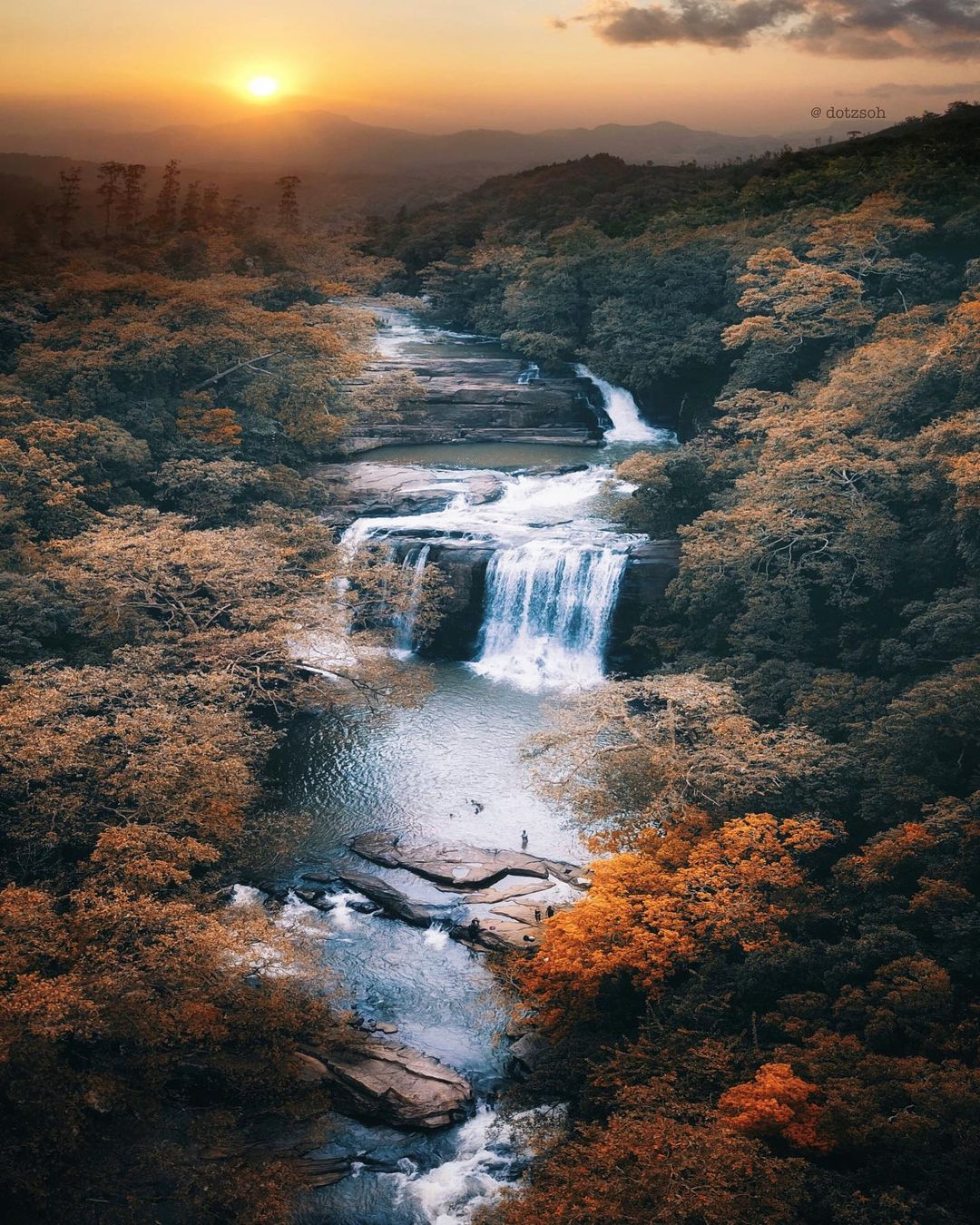 Природные и городские пейзажи из путешествий Dotz Soh