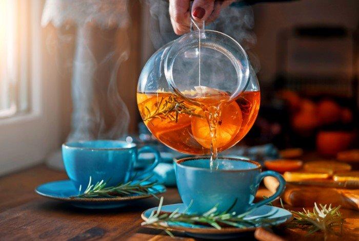 Почему не стоит пить остывший чай?
