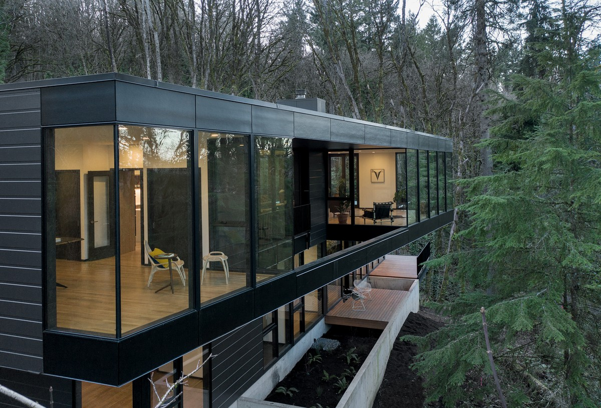Королевская резиденция в лесной среде в штате Орегон Картинки и фото