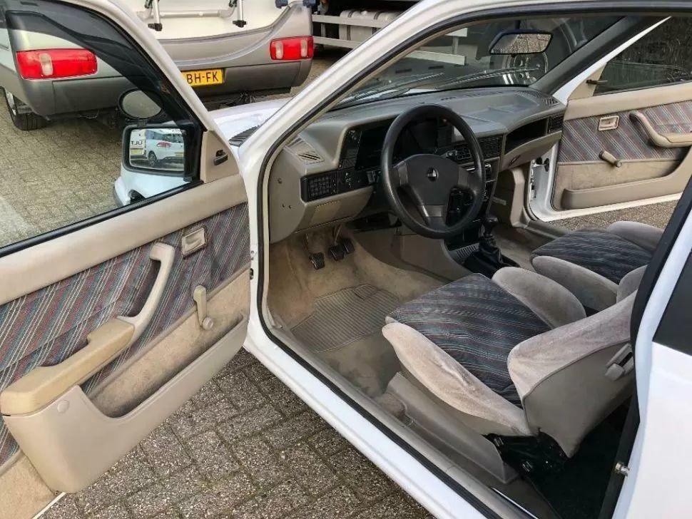 Причудливый автодом Heku Car Camp на базе Opel Kadett