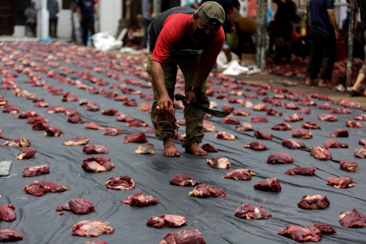 Ритуальное жертвоприношение животных в исламский праздник Курбан-байрам