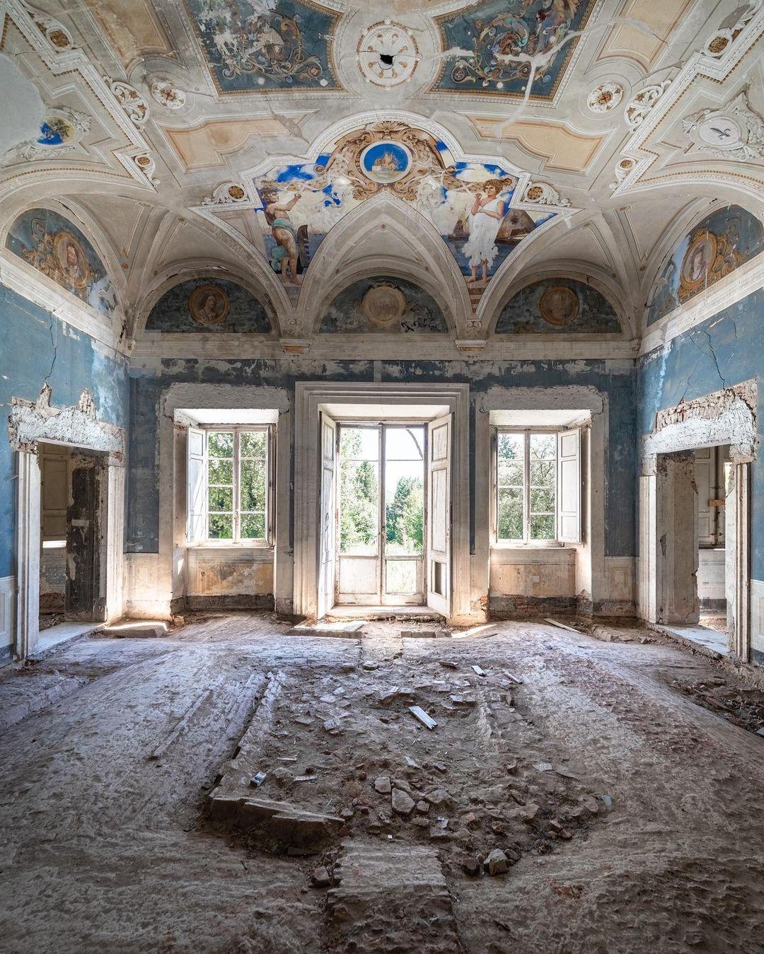 Заброшенная архитектура Европы на снимках Йеруна Таала