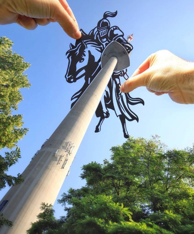 Художник преображает знаковые места, используя вырезки из бумаги