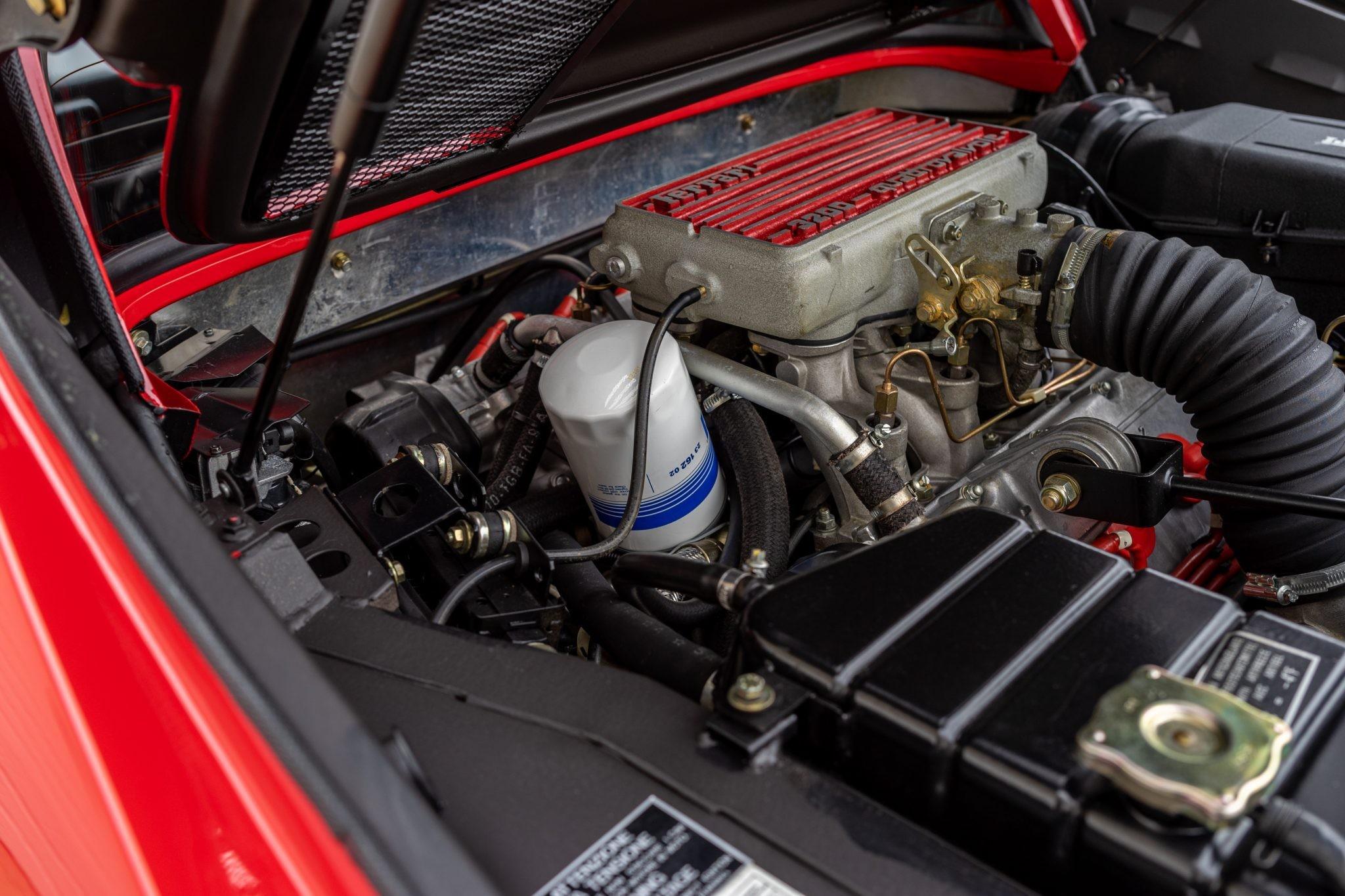 Идеальный Ferrari 328 GTS, который проехал всего 375 километров