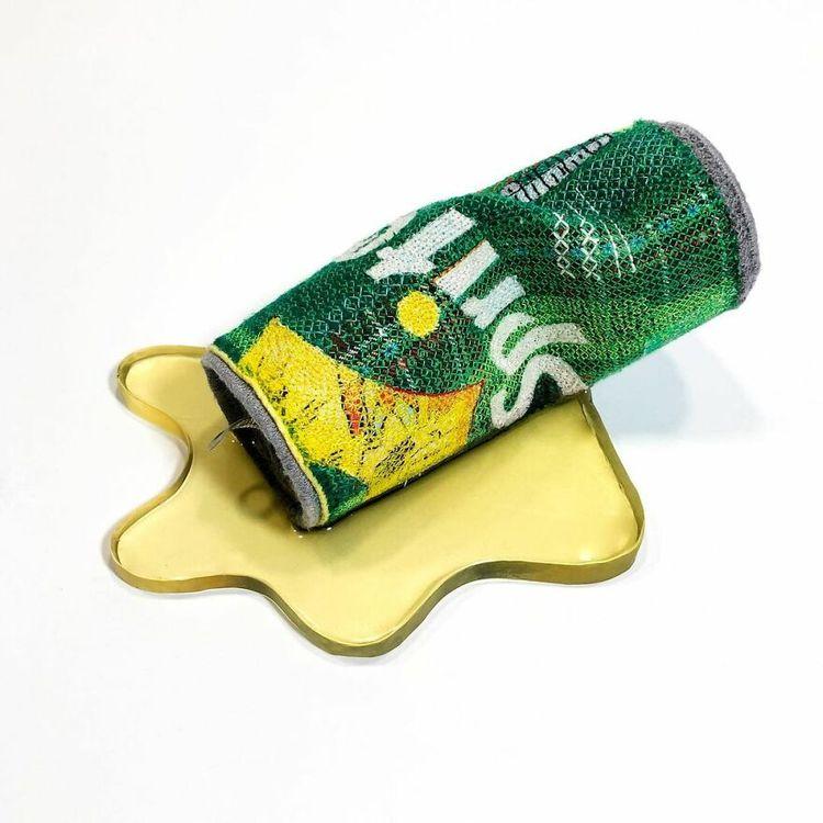 Девушка реалистично создаёт популярные продукты из войлока