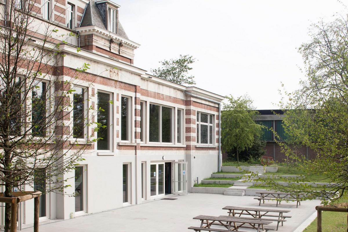 Преобразование старинного замка в школу в Бельгии