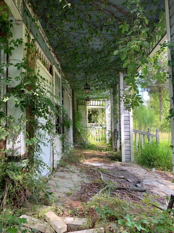 Немного снимков для любителей заброшенных мест