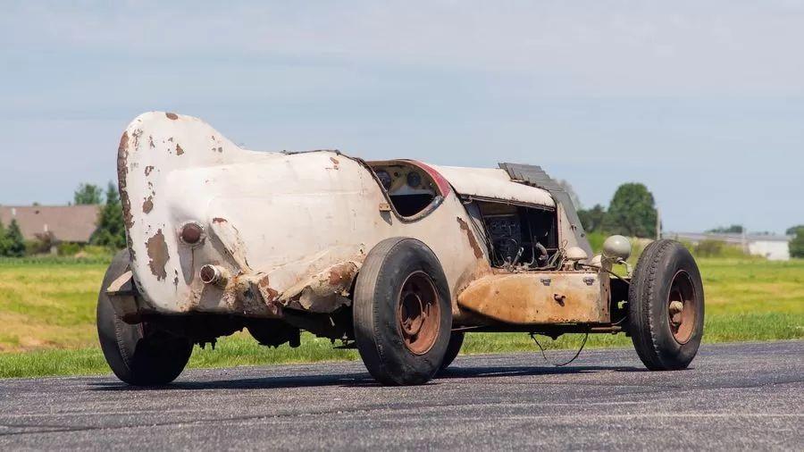 Необычный Chevrolet 1933 года по проекту дизайнера Алекса Тремулиса