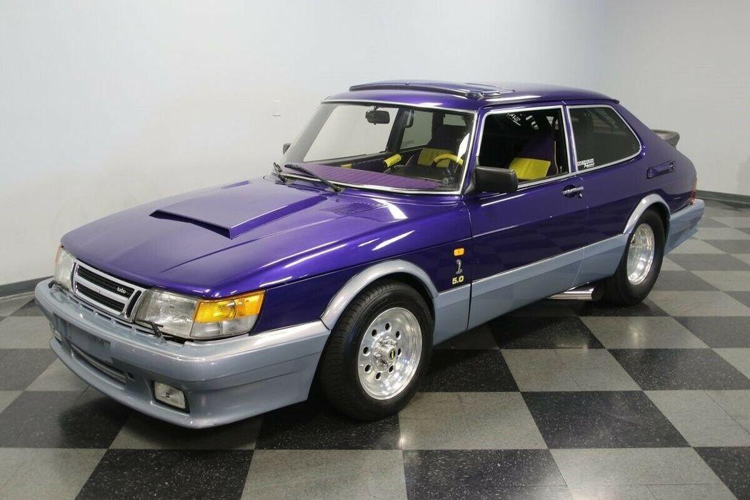 Гоночный Saab 900 с пятилитровым двигателем V8