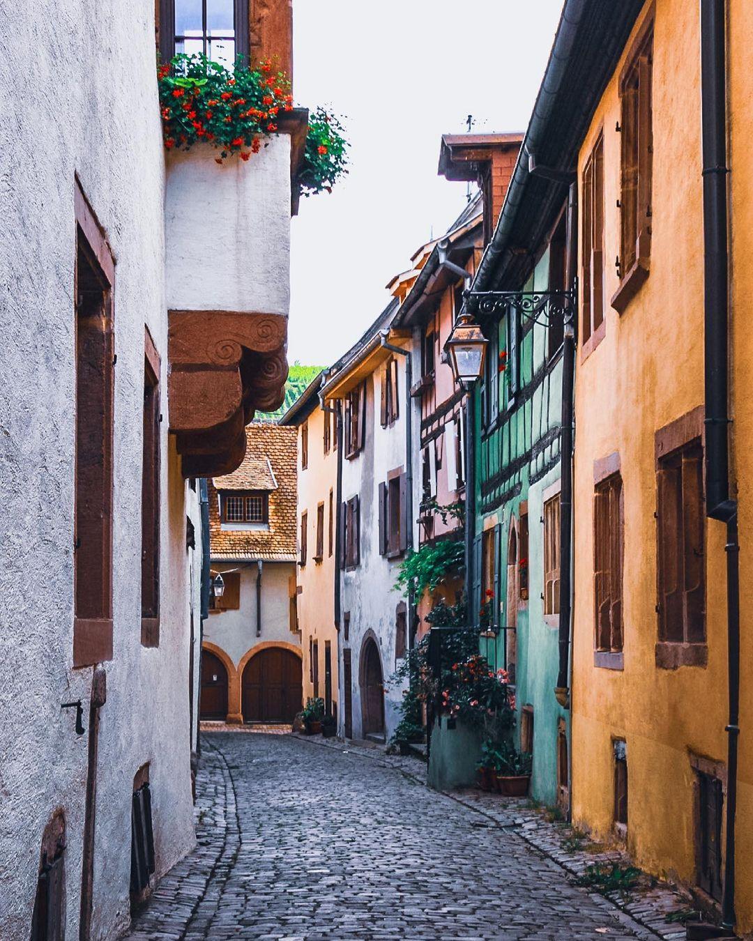 Улицы и архитектура Дании на снимках Адама Бросбеля
