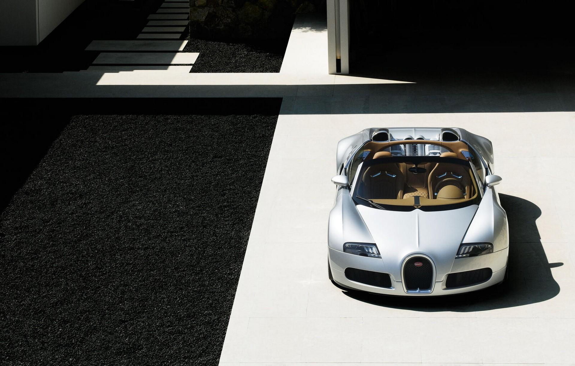 Первый прототип гиперкара Veyron Grand Sport 2008 года выпуска