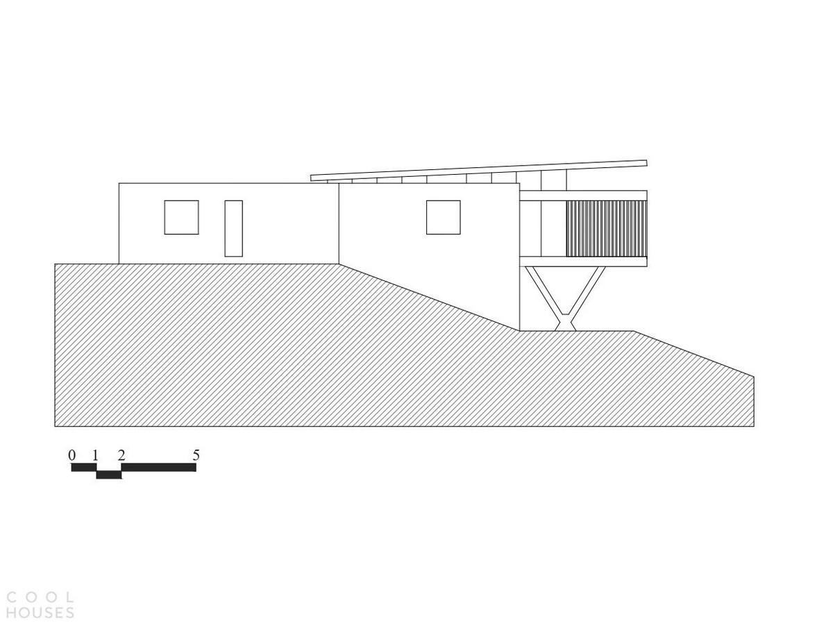Семейный дом на крутом участке горного хребта в Бразилии