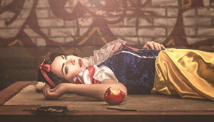 Кто мог быть прототипом Белоснежки и откуда взялись гномы с яблоком?