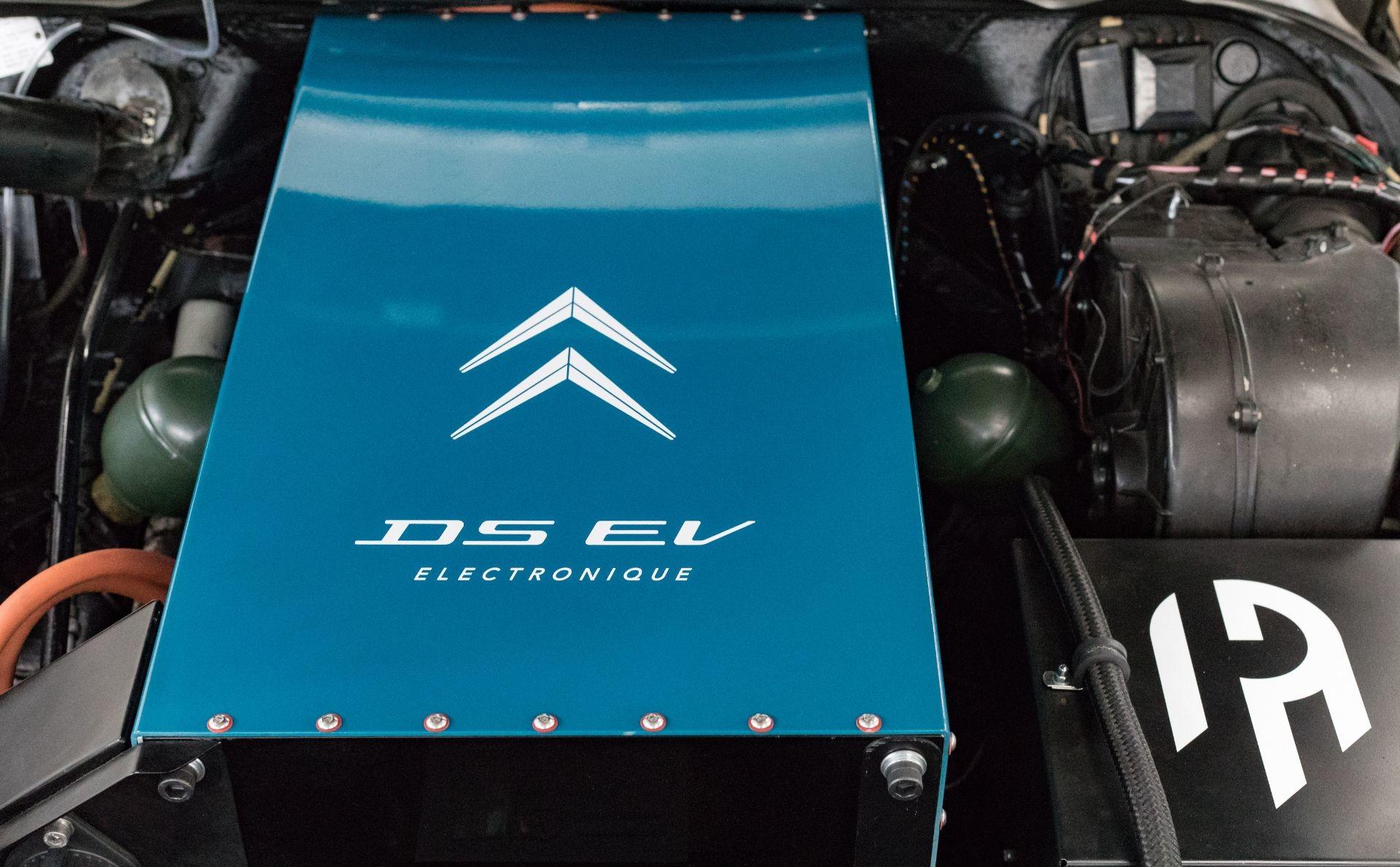 Британская фирма воссоздала электрический Citroen DS 1971 года
