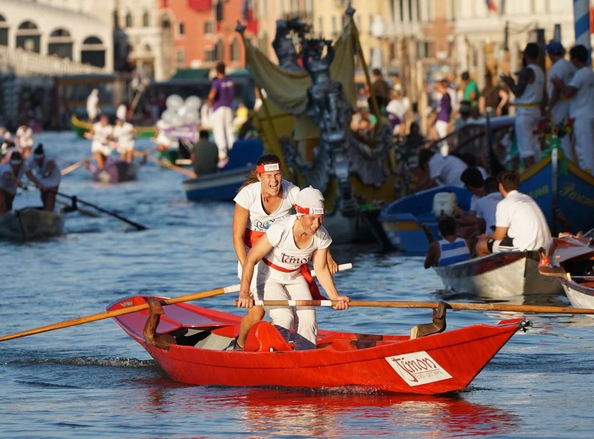 Ежегодная Историческая Регата прошла в Венеции