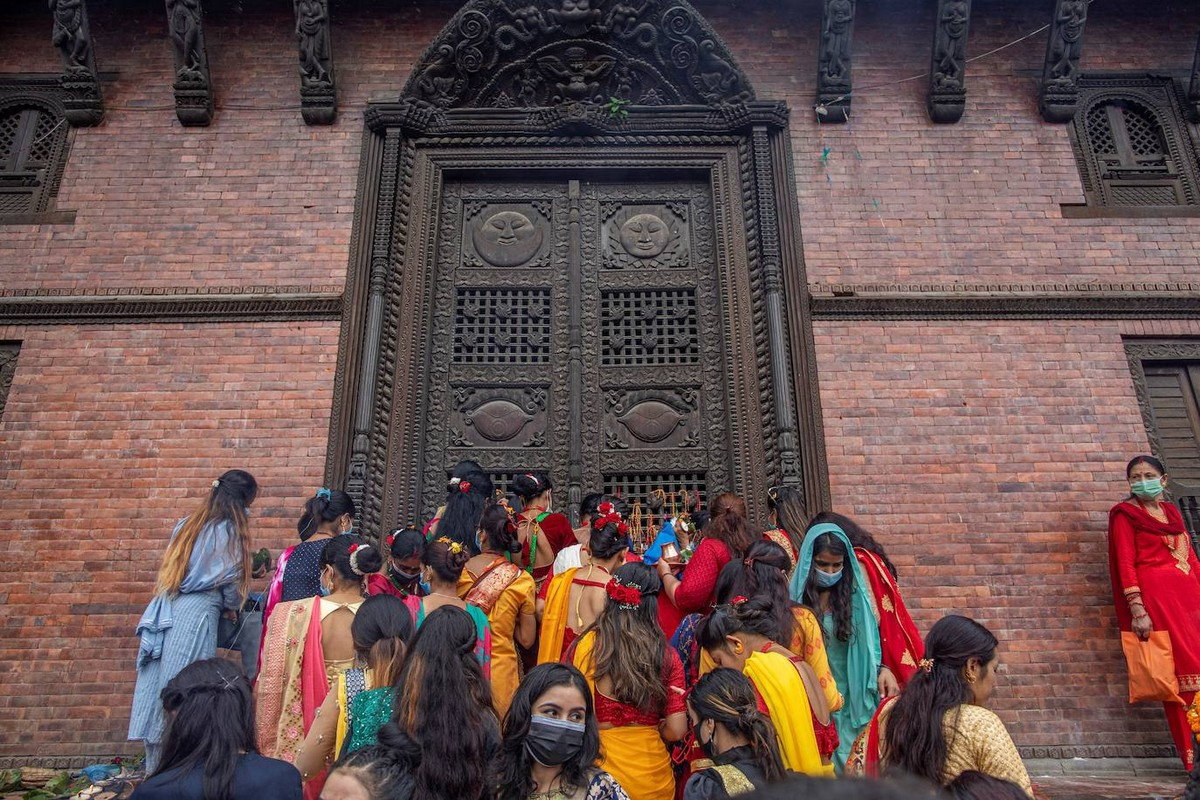 Фестиваль замужних женщин Teej в Непале