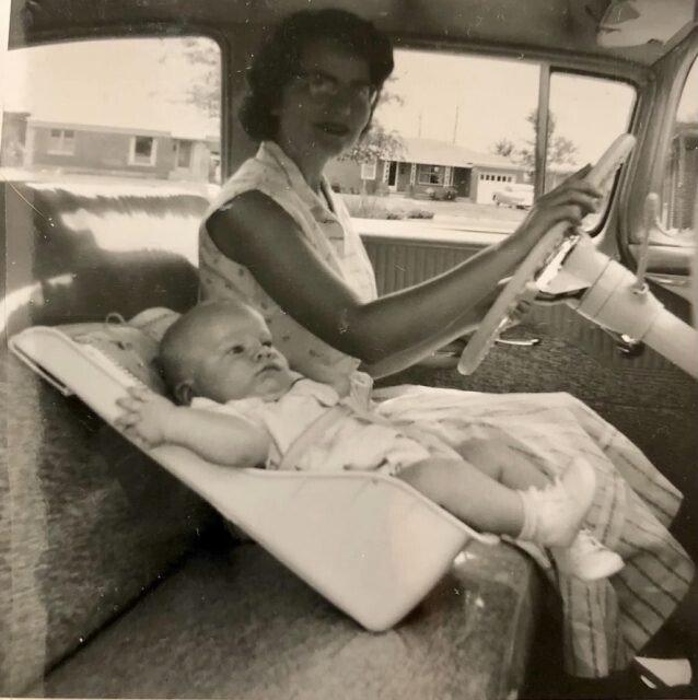 Семейные снимки из прошлого, от которых современные родители пришли бы в ужас