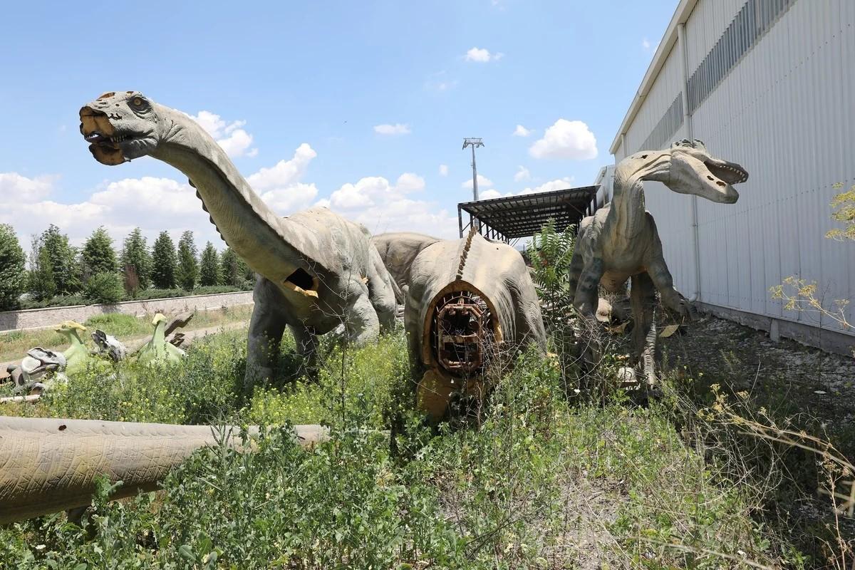 Помпезный заброшенный парк развлечений в Анкаре