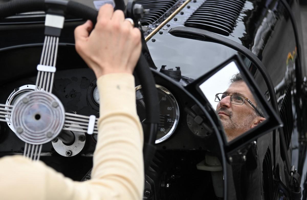 Фестиваль гоночных ретро автомобилей и мотоциклов в Гудвуде