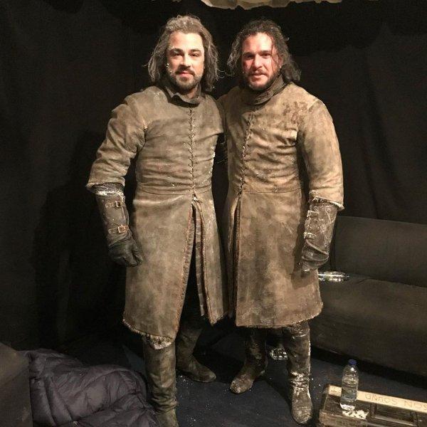 Знаменитые актеры и похожие на них дублёры