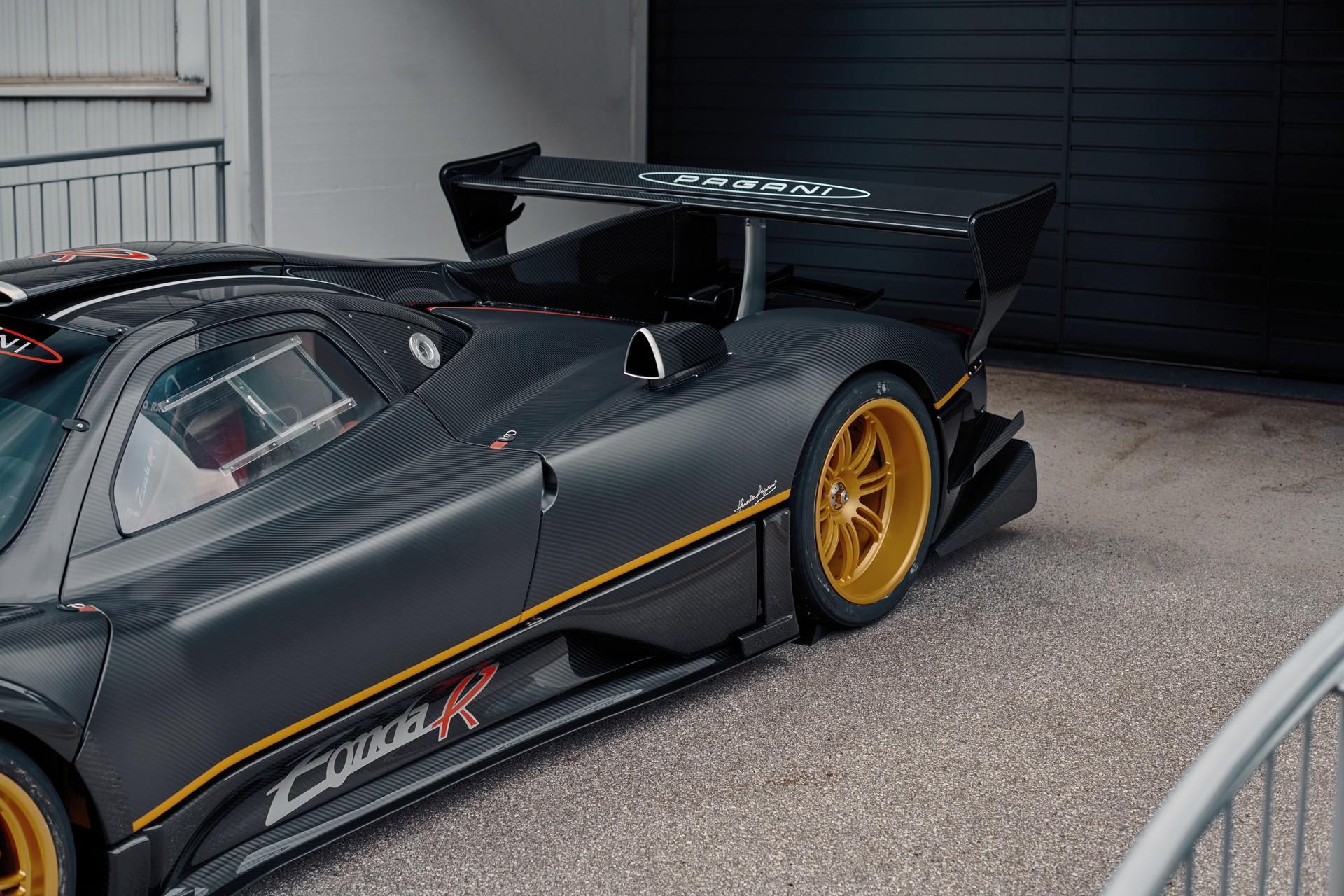 Редкий Pagani Zonda R Evolution выставлен на продажу
