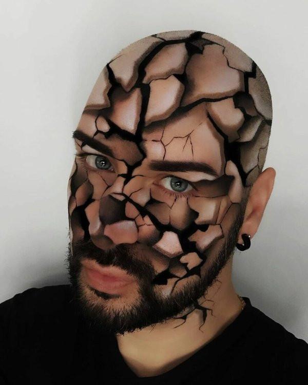 Художник создаёт оптические иллюзии, используя своё тело в качестве холста