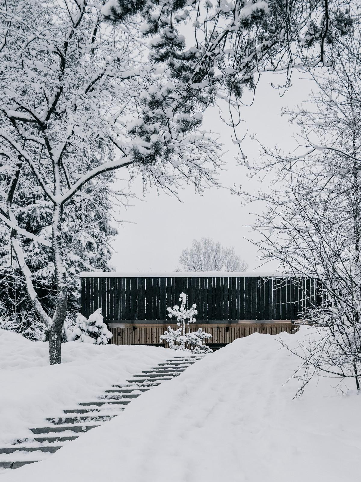 Деревянный домик с баней в Ленинградской области