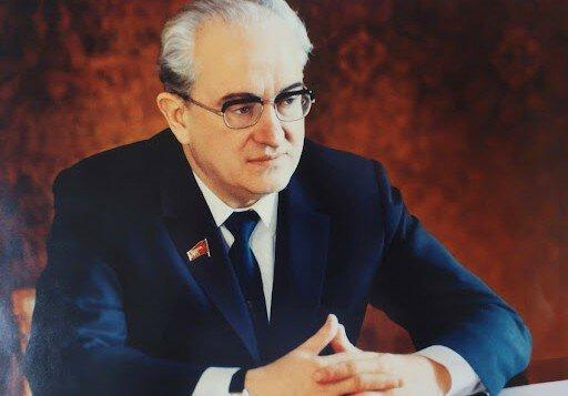 Необычные и популярные прозвища правителей СССР