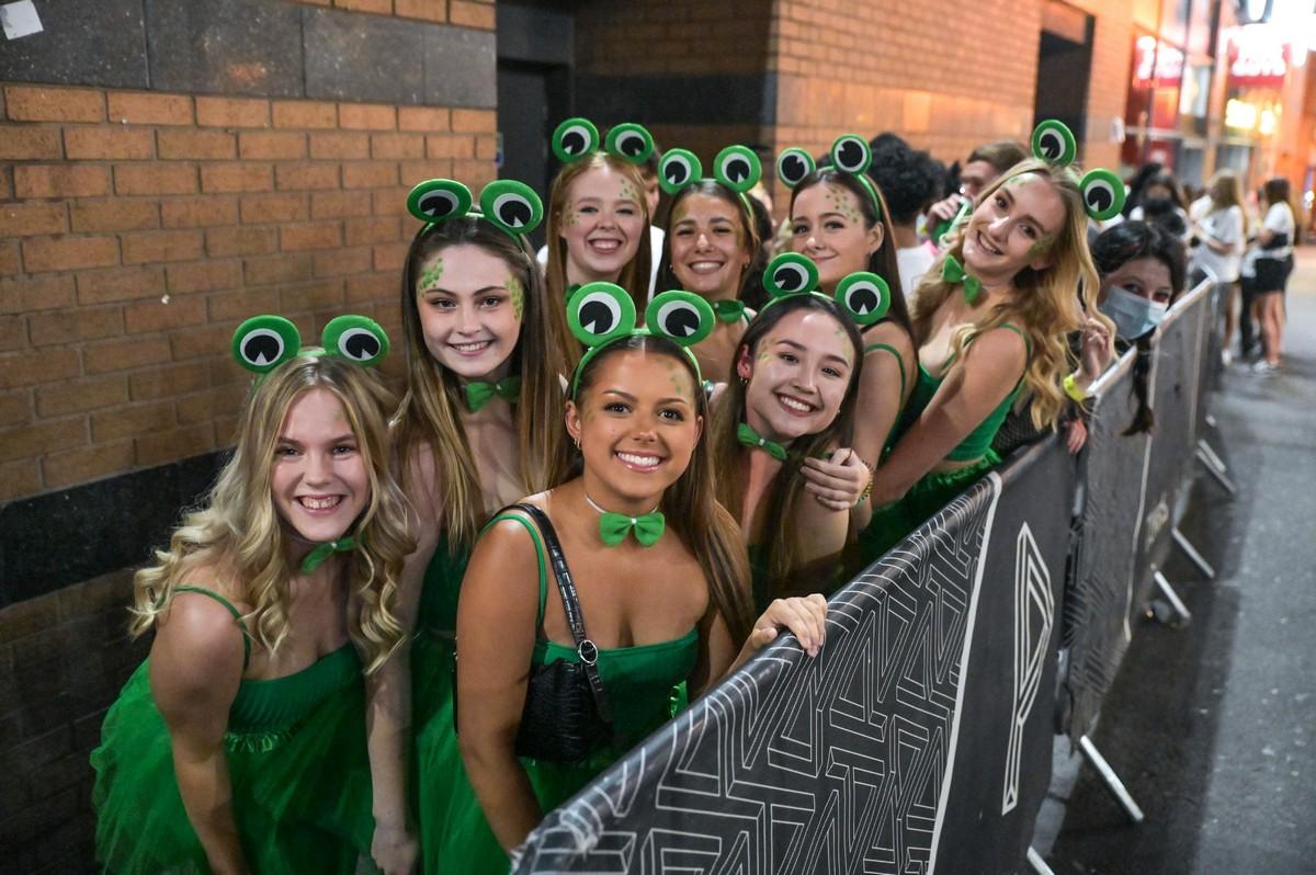 Британские студенты-медики отметили ежегодную костюмированную вечеринку