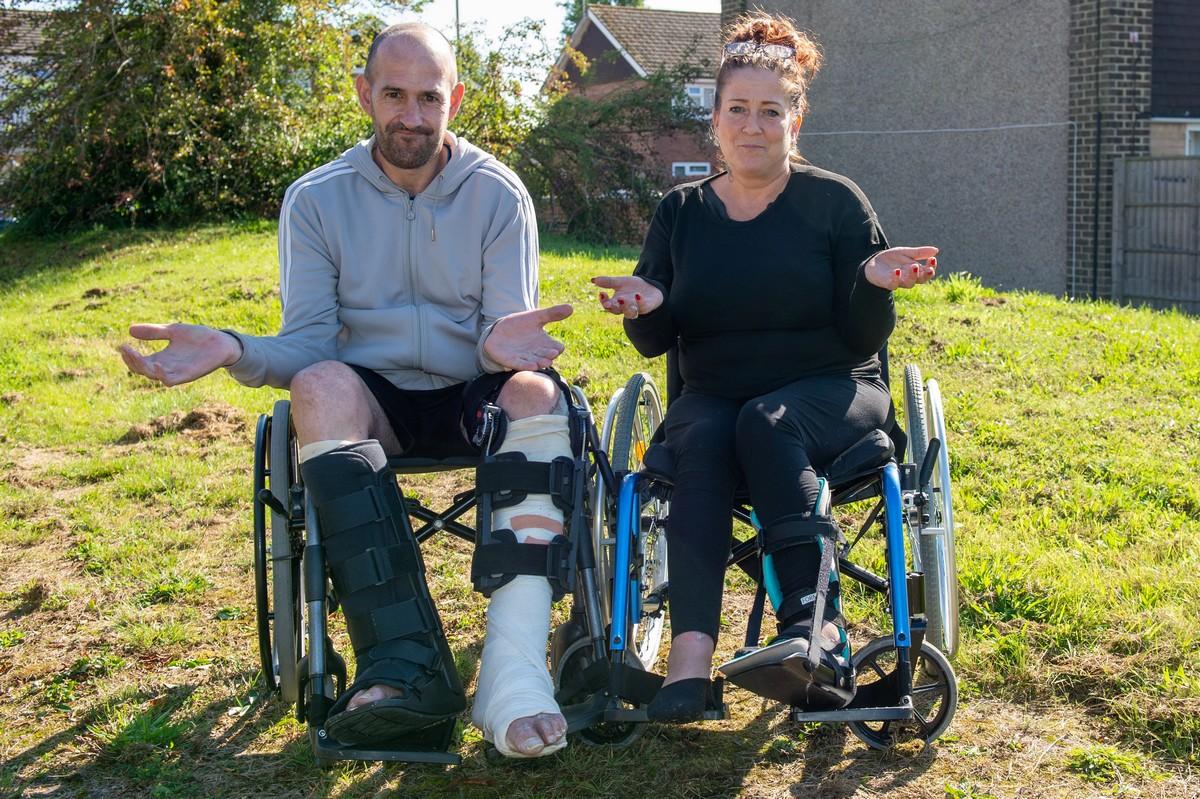 Пьяная британская пара пробралась в аквапарк ночью, где поломала ноги