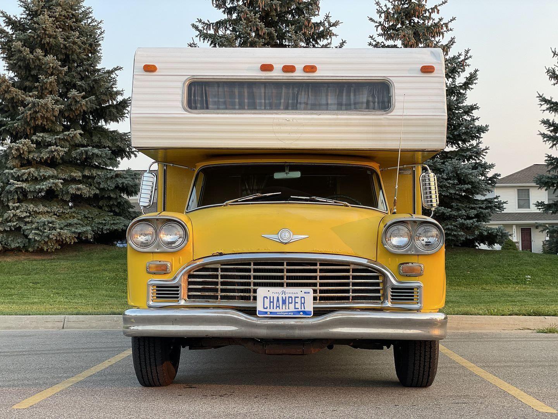 Уникальный дом на колесах из такси 1960-х годов